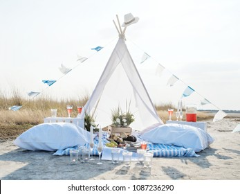 Lovely romantic glamping for two on a wild seashore. Unique way to celebrate your love.