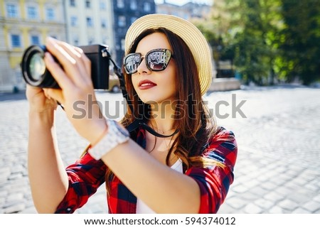 Lovely Tourist Girl Brown Hair Wearing Stock Photo (Edit Now ... 835a1e945a37