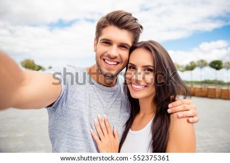 Online dating commerciële Funny