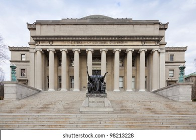 Low Memorial Library at Columbia University with the statue of Alma Mater, New York City