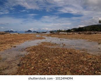 low tide at sea