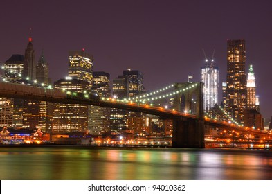 Lower Manhattan skyscrapers and the Brooklyn Bridge