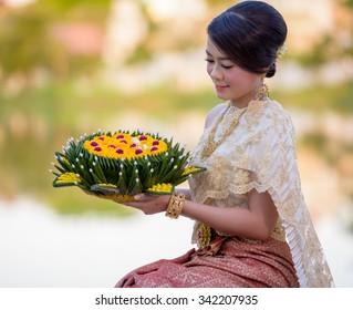 Loykratong tradition, Thai woman hold kratong