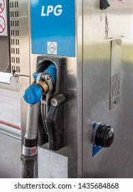 LPG pump station for filling liquefied gas for vehicles