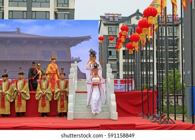 Luannan County - September 29: Ancient Chinese court life Show in the street, Luannan County, Hebei, China, September 29, 2015.
