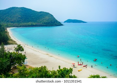 Luk Lom Beach in Island Samaesarn  In Chonburi Province,Viewpoint Luk Lom Beach and Island Samaesarn.