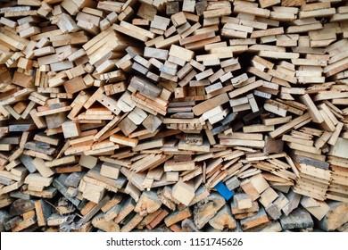 Lumber stack wall pattern