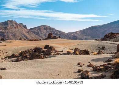 paisajes lunares alrededor de la cima de la montaña del Teide