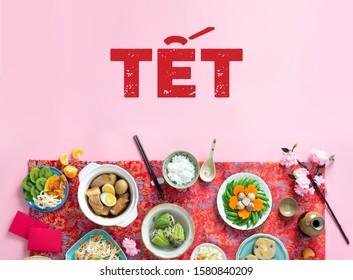 Concept lunaire de la nouvelle année de la cuisine traditionnelle vietnamienne sur fond printanier prêt à être conçu. Family Foods for Tet.
