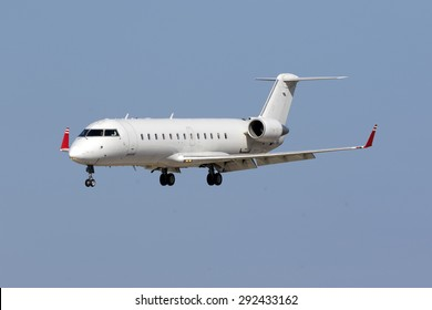 Bombardier Crj 200 Images, Stock Photos & Vectors | Shutterstock