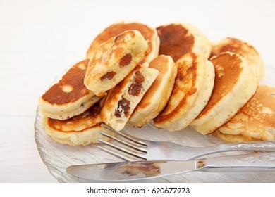 Lush pancakes with raisins