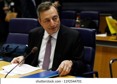 Luxembourg, Luxembourg. 1st Oct. 2018. President of the ECB, Mario Draghi   arrives to attend in Eurogroup finance ministers meeting at the EU headquarters.