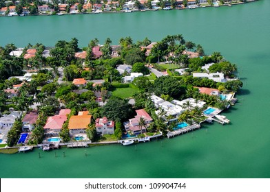 Luxurious homes on venetian islands, Miami Beach, Florida, USA