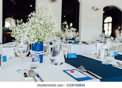 Luxurious table setting with flowers