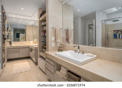 Luxurious and white bathroom