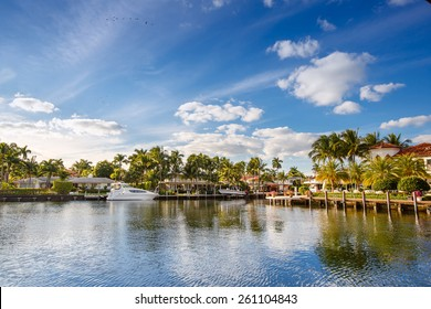 Luxurious yacht and waterfront homes in Fort Lauderdale, Florida