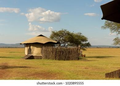 Luxury African Safari Camp in a Beautiful Park Setting