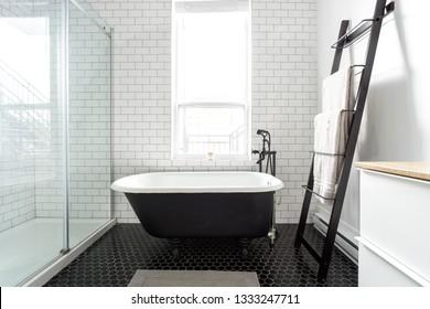 Luxury black and white bathroom bathtub