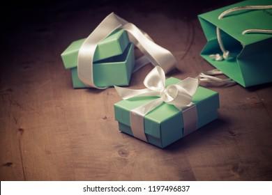 Imágenes, fotos de stock y vectores sobre Boxes Green