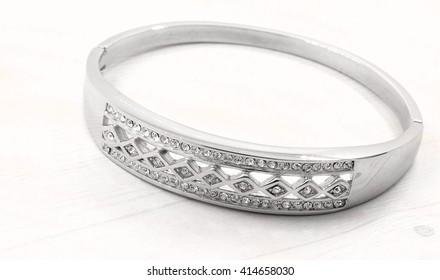 Luxury bracelet for women - Stainless Steel - Silver - White background