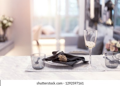 luxury decoration dinner table with glass towel kitchenware in living room