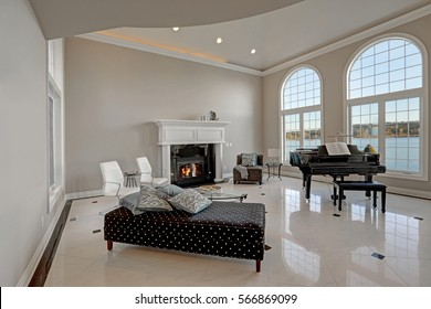 Royalty Free High Ceiling Images Stock Photos Vectors Shutterstock