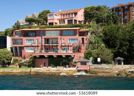 Luxury Homes Along The Sydney Harbour Shoreline, Australia