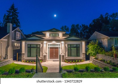 Luxury house, home  at   night, disk time.