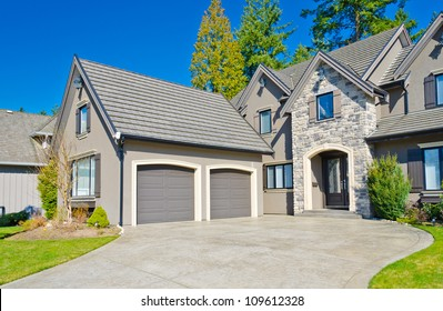 House Driveway Stock Images Royalty Free Images Amp Vectors