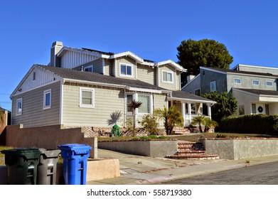 Luxury houses in Manhattan Beach City, CA.