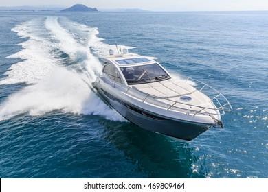 luxury motor boat, rio yachts italian shipyard
