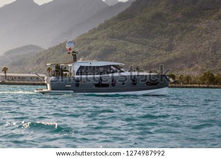luxury-motor-yacht-on-mediterranean-450w