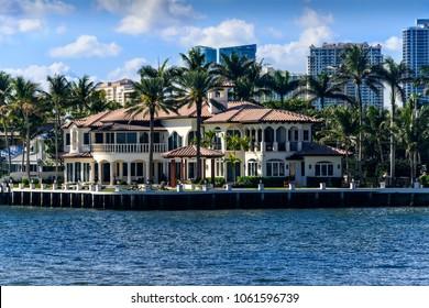Luxury Real Estate on the intercoastal waterway in Fort Lauderdale, Florida