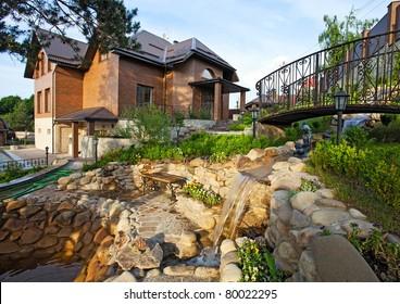 Luxury redbrick cottage
