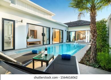 luxury Swimming pool in luxury pool villa