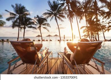 Luxusreisen, romantische Strandurlaub für Flitterwochenpaare, tropischer Urlaub im luxuriösen Hotel