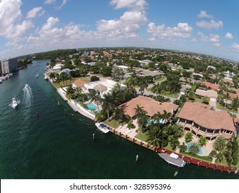 Luxury waterfront homes in Florida aerial view