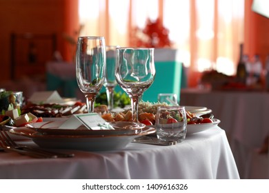 Luxury wedding lunch table setting outdoors, in white-blue colors.