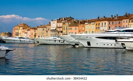 Luxury Yachts in Saint-Tropez