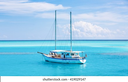 Luxury yatch in beautiful ocean, beautiful blue sun sea tropical nature holiday luxury, Maldives island