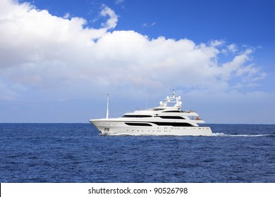 Luxury yatch in open waters full ahead