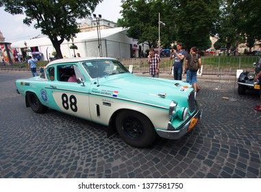 Lviv / Ukraine - July 22, 2013: Leopolis Grand Prix 2013. old blue Studebaker