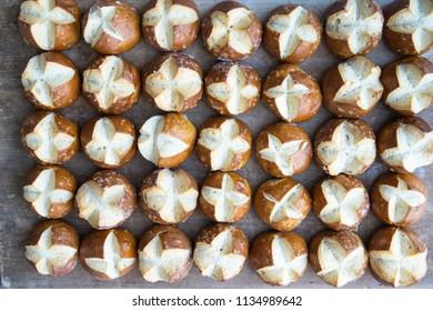a lot of lye buns