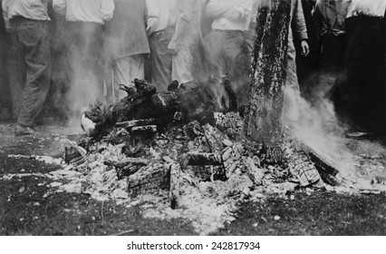 The lynching of Jesse Washington is remembered as the 'Waco Horror,' for its brutality, long duration, and large public participation. Photo shows the burnt remains of Washington's body. May 15, 1916.