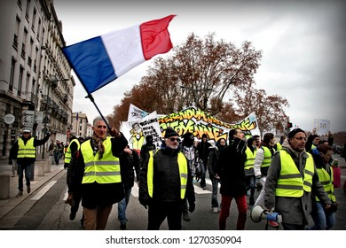 Lyon, FRANCE : 29 December 2018 : Several hundred yellow vests have demonstrated in the center of Lyon, including asking for the resignation of Emmanuel Macron. Some clashes took place with the police