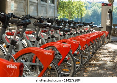 LYON - FRANCE, Juli 26, 2018: New bicycles in the Velo'v bicycle sharing system in Lyon, France, with over 3000 bikes and 340 stations.