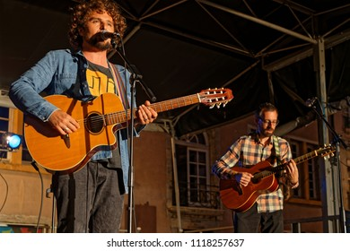 """LYON, FRANCE, June 21, 2018 : David Cairol on a street stage. With free demonstrations through all the city from June to September, """"Fetons l'été"""" (Let us celebrate the summer) liven up the summer"""