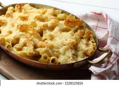Macaroni and cheese in a copper pan