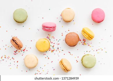 Macarons design on white background top view pattern