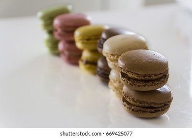 macarons, the tasty treat to be eaten with coffee